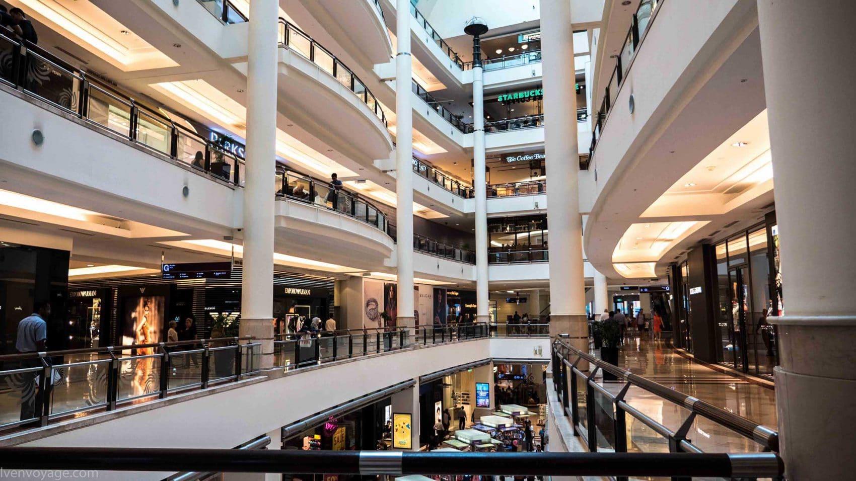 Les centres commerciaux surdimensionnés de Kuala Lumpur