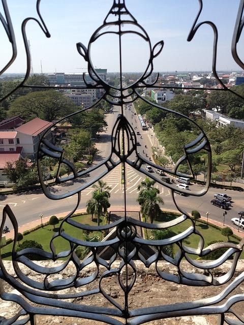 patuxai-monument-VIENTIANE LAOS