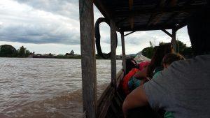 Dans le bateau direction Don Det NAKASONG LAOS 4000 ILES